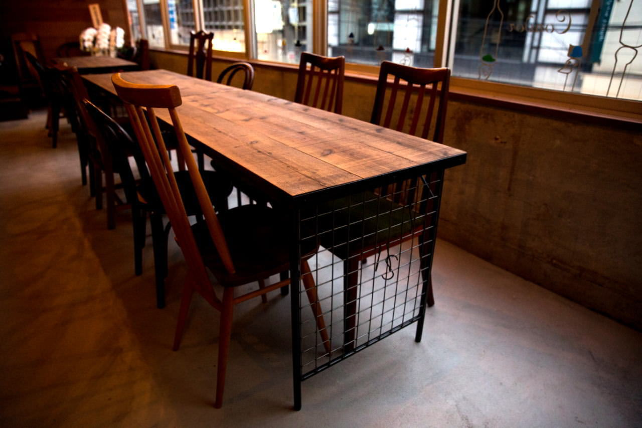 long iron table