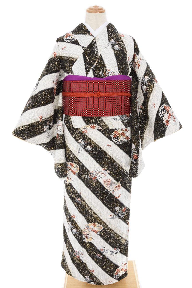 「黒と白の斜めライン 花と蝶」の商品画像