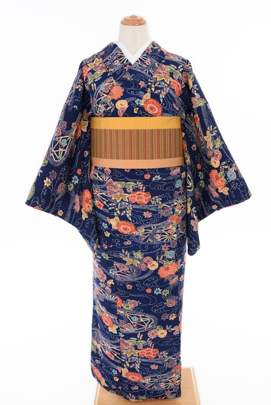 「紺地 流水に菊・梅・牡丹」の商品画像