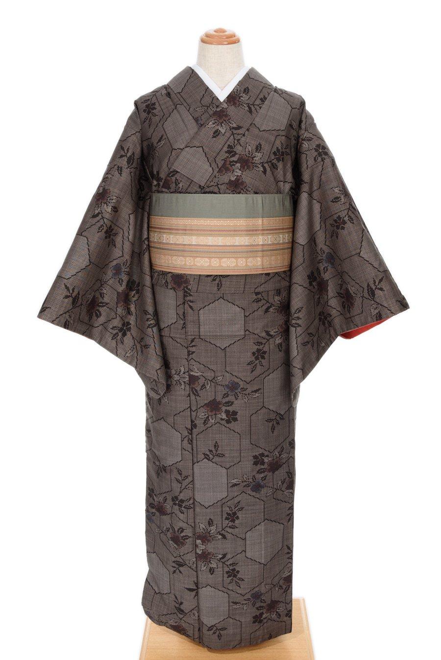 「大島紬 亀甲と花」の商品画像