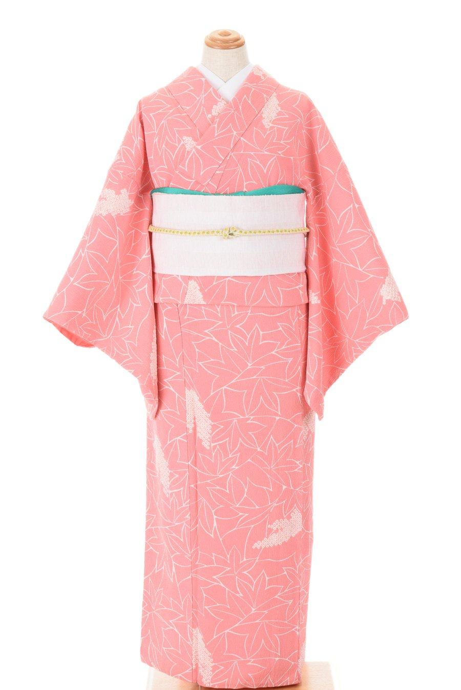 「ピンク地 白縁取りの楓」の商品画像