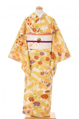紗綾型に菊・牡丹・藤など