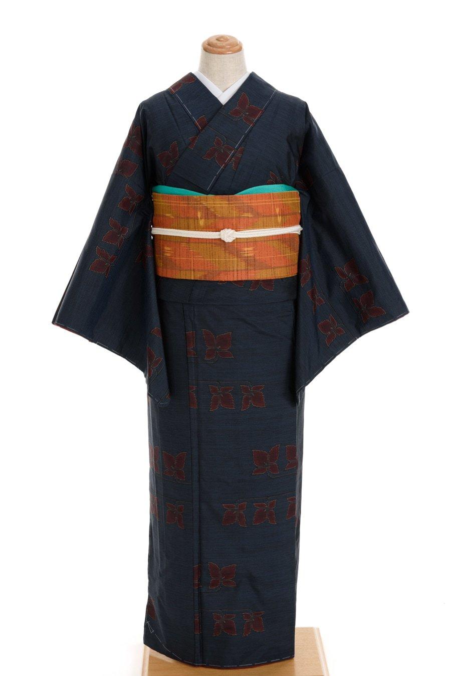 「大島紬 横双 蝶々のような花」の商品画像