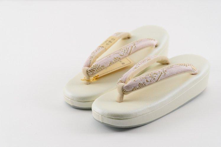 五嶋紐 低反発草履 金×ピンクのサムネイル画像