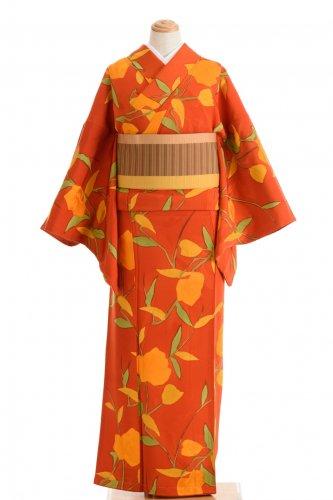 朱色の地 オレンジ色の大きな花のサムネイル画像