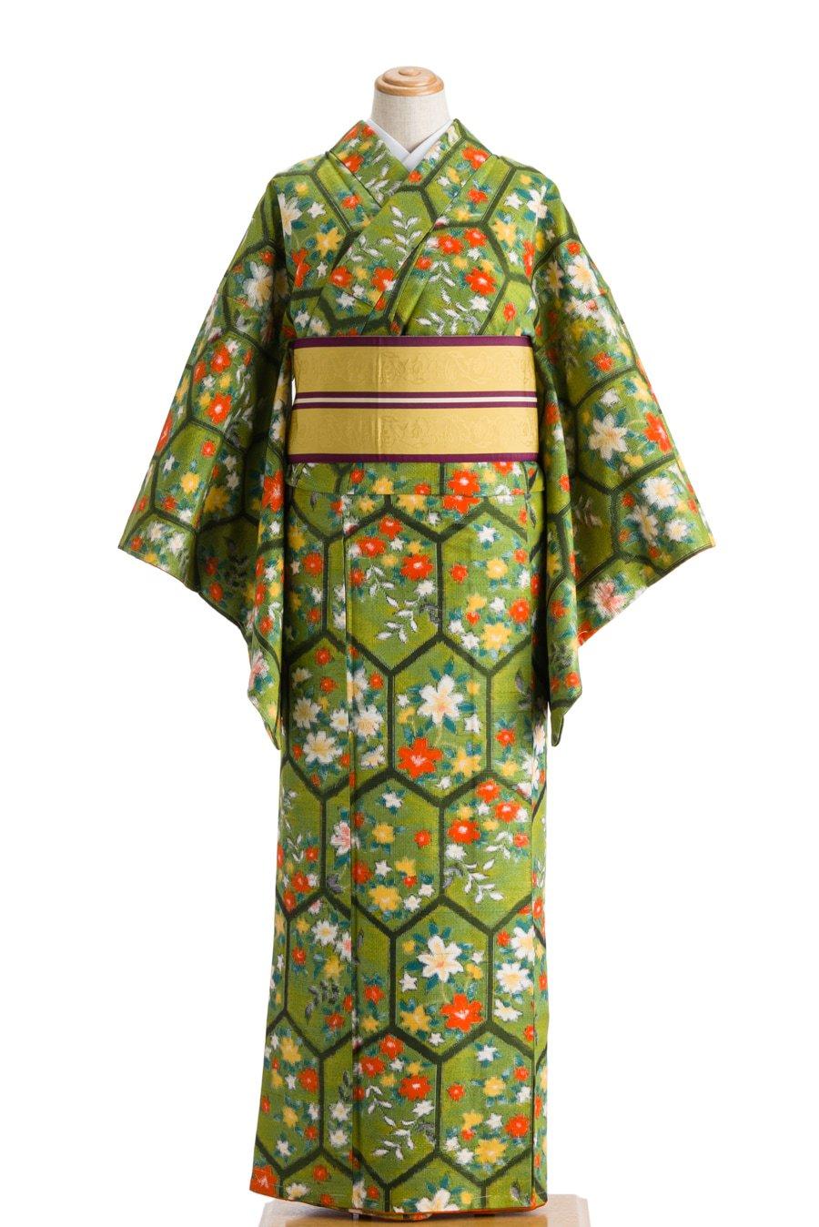 「紬 黒縁亀甲に花」の商品画像