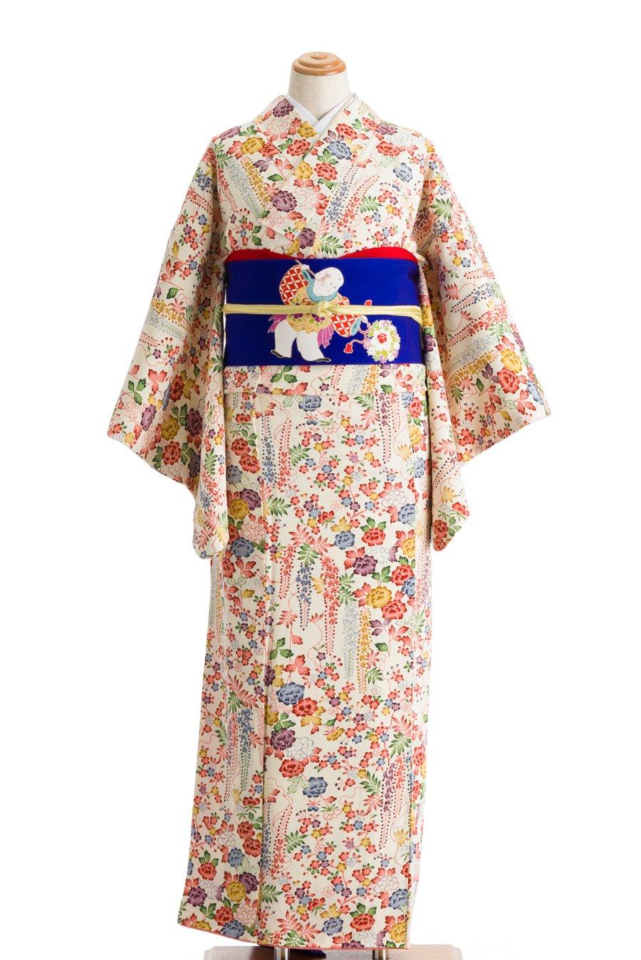 「白地に藤 牡丹 桜など」の商品画像