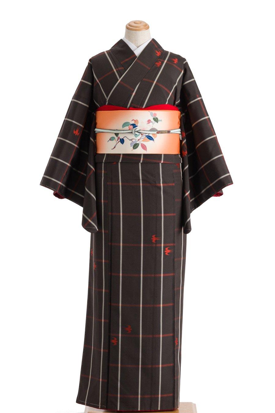 「紬 焦げ茶に格子と燕」の商品画像
