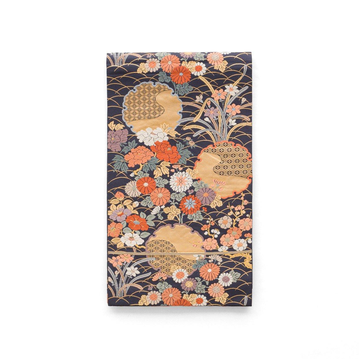 「袋帯●金の雪輪と四季の花」の商品画像