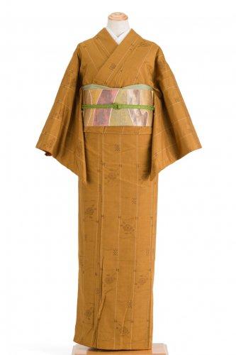 紬 黄土色地に椿のサムネイル画像