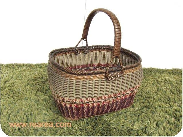レトロなバスケット ブラウン かごバッグ u  横31センチ(小物入れ 籠  収納箱*昭和レトロ雑貨