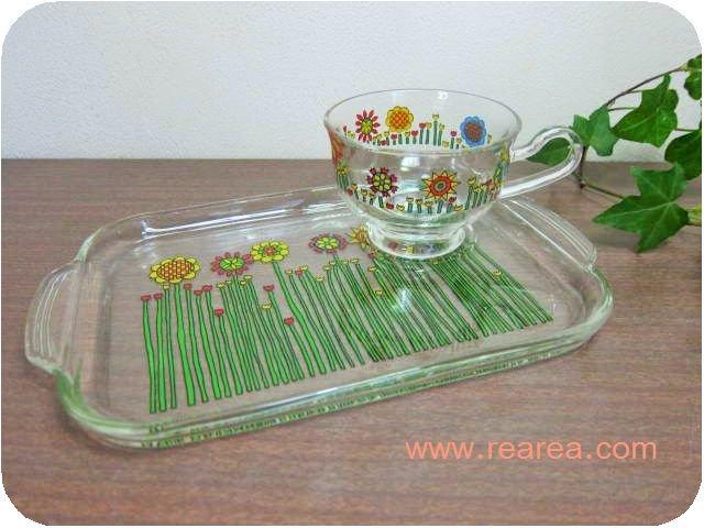 完売■カラフル花柄 ガラス製 カップ&ソーサープレート型 2×25×16センチ(*昭和レトロ雑貨