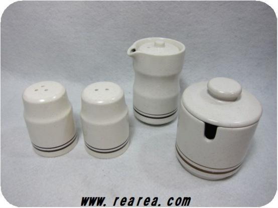 セール50%OFF陶器製カスターセット 白×茶ライン柄 4点セット調味料入れ◎昭和レトロ雑貨