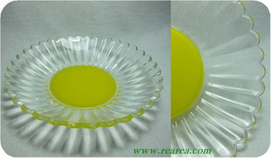 完売■花の形のガラスプレート 22cm イエロー (フラワー大皿〓昭和レトロ雑貨