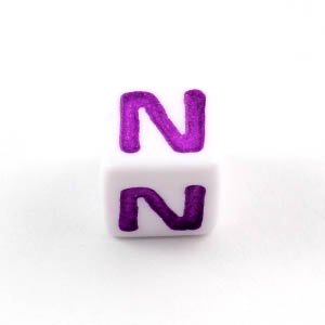 アルファベットビーズ 1個 「N」