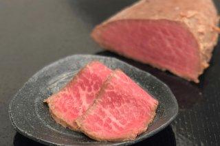 伊賀牛のもも肉を使ったローストビーフ 5.6人前
