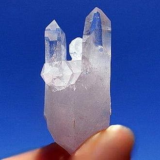 マカルー産水晶<br>ツインの塔