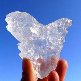 翼のセレナイト