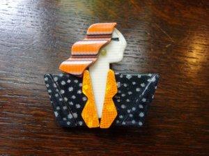 LEA STEIN リースタイン ブローチ カルメン オレンジ×黒(S7093)