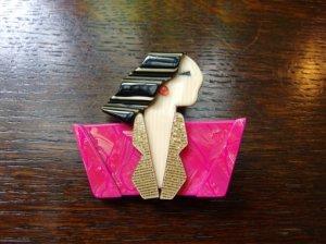 LEA STEIN リースタイン ブローチ カルメン ピンク×黒(S7096)