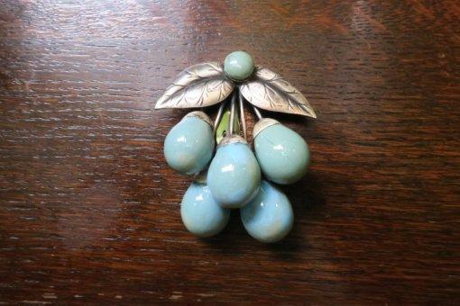 1940's シルバーとブルーの木の実の大き...