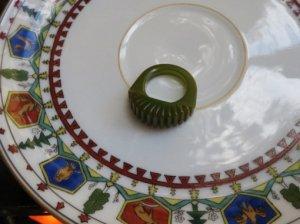 ベークライト ジグザググリーンのリング(S7706)