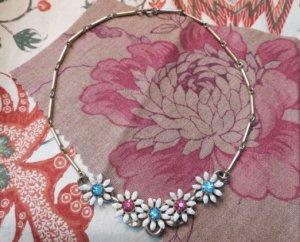 マーガレットのようなお花が並んだネックレス(S7921-3)