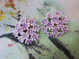 ピンクの小花たっくさんのイヤリング(S7906)