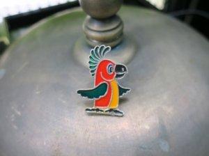 ソビエト 鮮やかなインコのブローチ(S8480-10)