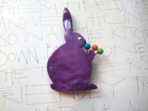 Pavone 紫のうさぎのブローチ(S5677)