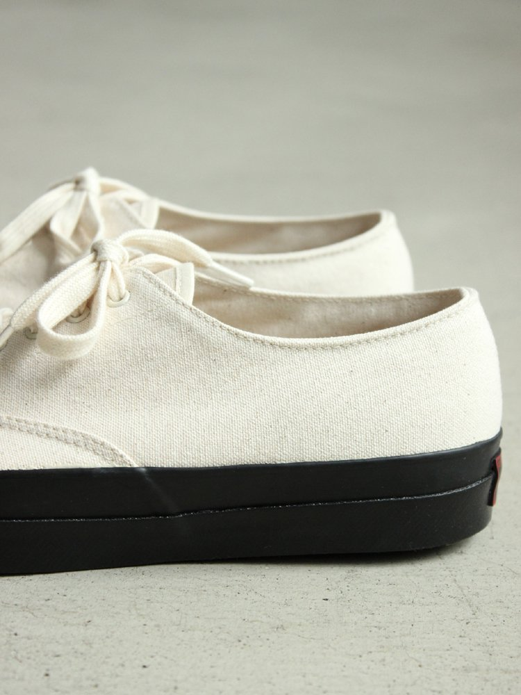 WAK DECK SHOES LOW BLACK SOLE #NATURAL