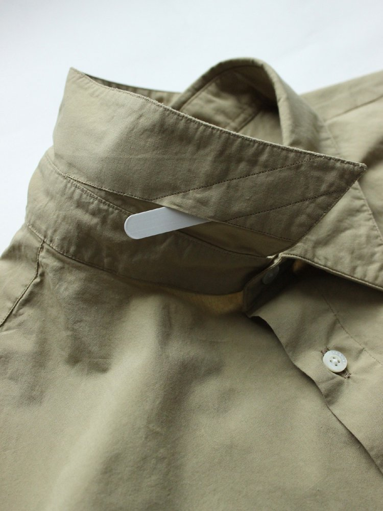 MARKAWARE | マーカウェア REGULAR COLLAR SHIRTS REGULAR-FIT #OLIVE GRAY