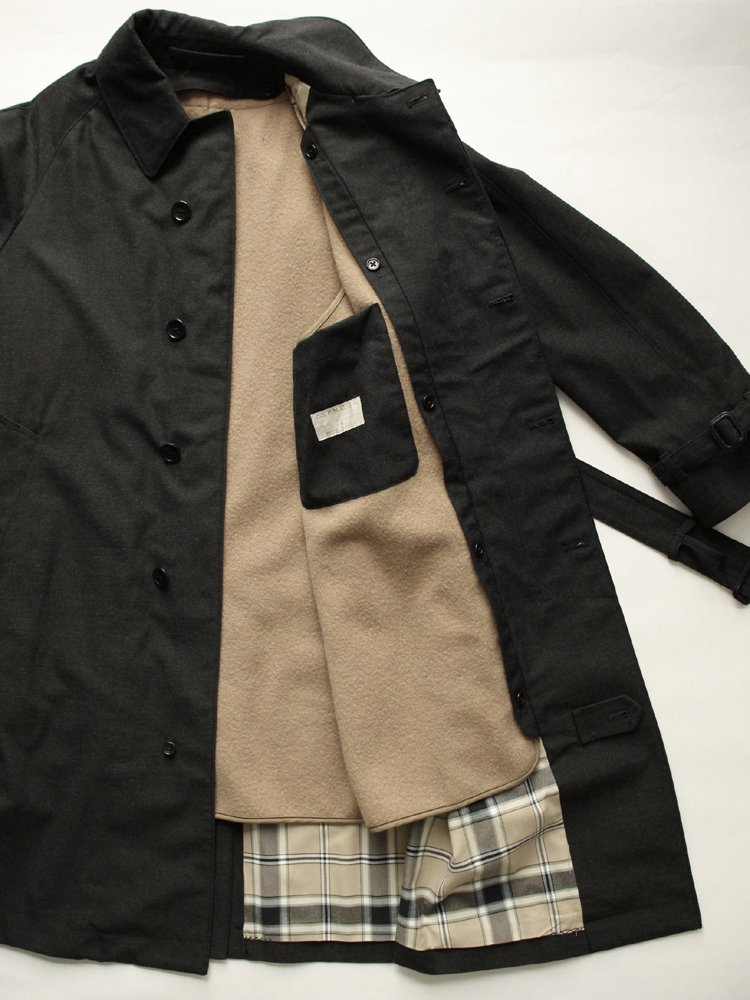 <img class='new_mark_img1' src='https://img.shop-pro.jp/img/new/icons20.gif' style='border:none;display:inline;margin:0px;padding:0px;width:auto;' />BELTED BAL COLLAR COAT #CARBON