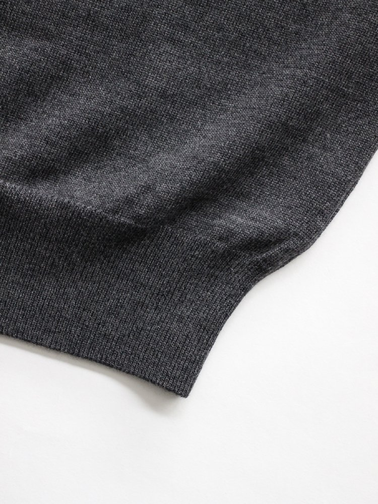BOTTLENECK KNIT #TOP CHARCOAL<img class='new_mark_img2' src='https://img.shop-pro.jp/img/new/icons22.gif' style='border:none;display:inline;margin:0px;padding:0px;width:auto;' />