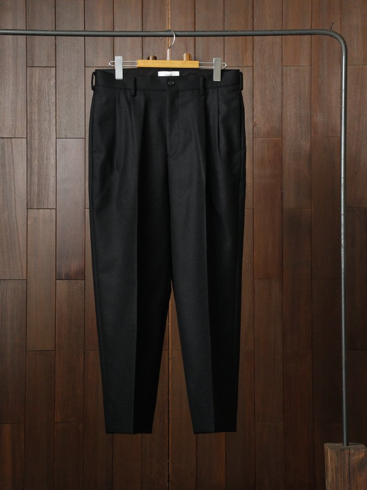 2TUCK COCOON FIT #BLACK