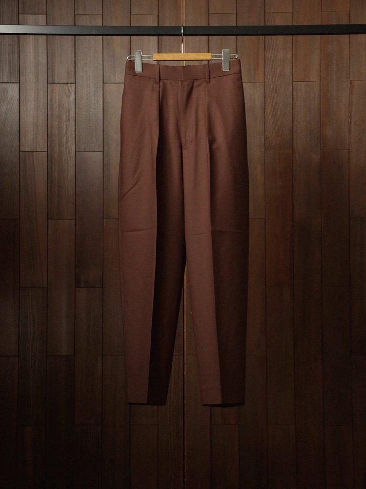 MARKAWARE|CLASSIC FIT TROUSERS #CHESNUT