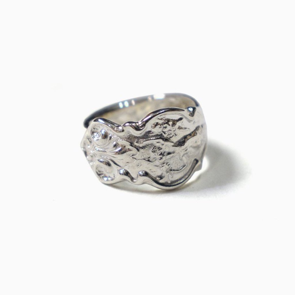 <img class='new_mark_img1' src='https://img.shop-pro.jp/img/new/icons57.gif' style='border:none;display:inline;margin:0px;padding:0px;width:auto;' />IRIAN_SPOON RING #SILVER/WHITE FINISH [OJ-AC17]