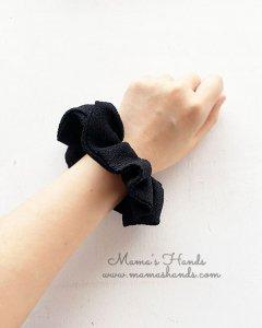 (cp-561) 黒 ブラック ちりめん 冠婚葬祭 礼服 シュシュ ヘアゴム(ハンドメイド)