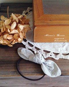 (cm-705) ラメ 刺繍 ライトグレー リボン ヘアゴム(ハンドメイド)