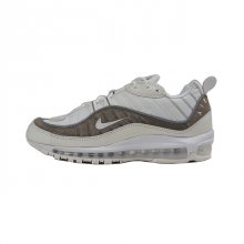<img class='new_mark_img1' src='//img.shop-pro.jp/img/new/icons50.gif' style='border:none;display:inline;margin:0px;padding:0px;width:auto;' />NIKE AIR MAX 98 SE SAIL
