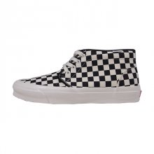 <img class='new_mark_img1' src='//img.shop-pro.jp/img/new/icons1.gif' style='border:none;display:inline;margin:0px;padding:0px;width:auto;' />VANS VAULT CHUKKA LX BLACK/WHITE/CHECKERBOARD