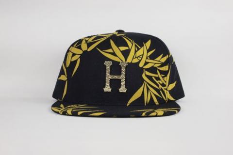 "HUF "" HAMMERED METAL H BAMBOO STRAPBACK CAP "" BLACK/ハフ "" HAMMERED METAL H BAMBOO STRA"