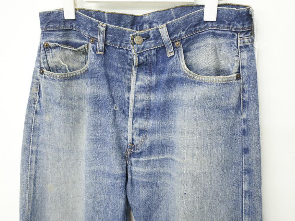 <img class='new_mark_img1' src='//img.shop-pro.jp/img/new/icons15.gif' style='border:none;display:inline;margin:0px;padding:0px;width:auto;' />VINTAGE Levi's リーバイス 501  デニムパンツ 66前期 MADE IN USA W33