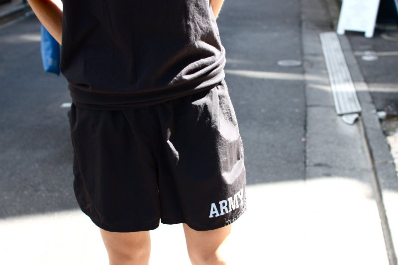 <img class='new_mark_img1' src='//img.shop-pro.jp/img/new/icons15.gif' style='border:none;display:inline;margin:0px;padding:0px;width:auto;' />U.S.ARMY トレーニングショーツ black USED XXLsize #10