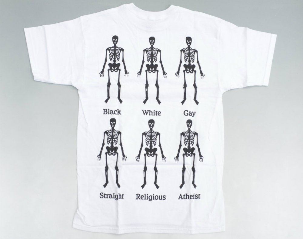 <img class='new_mark_img1' src='//img.shop-pro.jp/img/new/icons20.gif' style='border:none;display:inline;margin:0px;padding:0px;width:auto;' />PLEASURES BONES Tシャツ