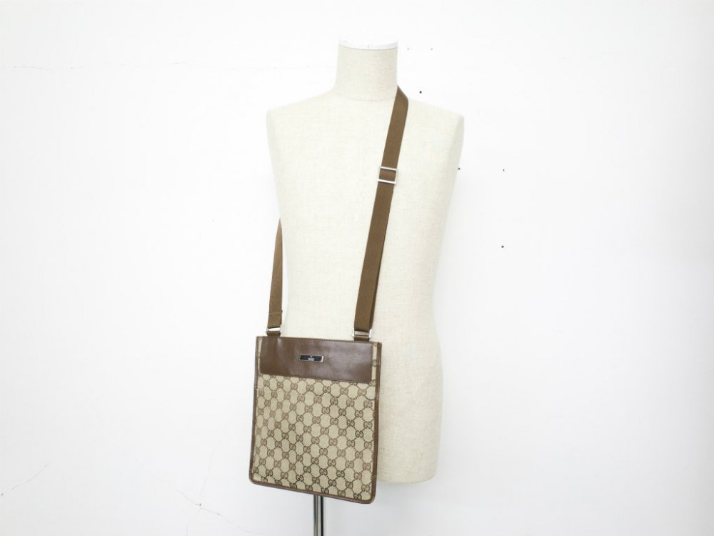 GUCCI  グッチ シグネイチャー柄 ミニショルダーバッグ MADE IN ITALY USED