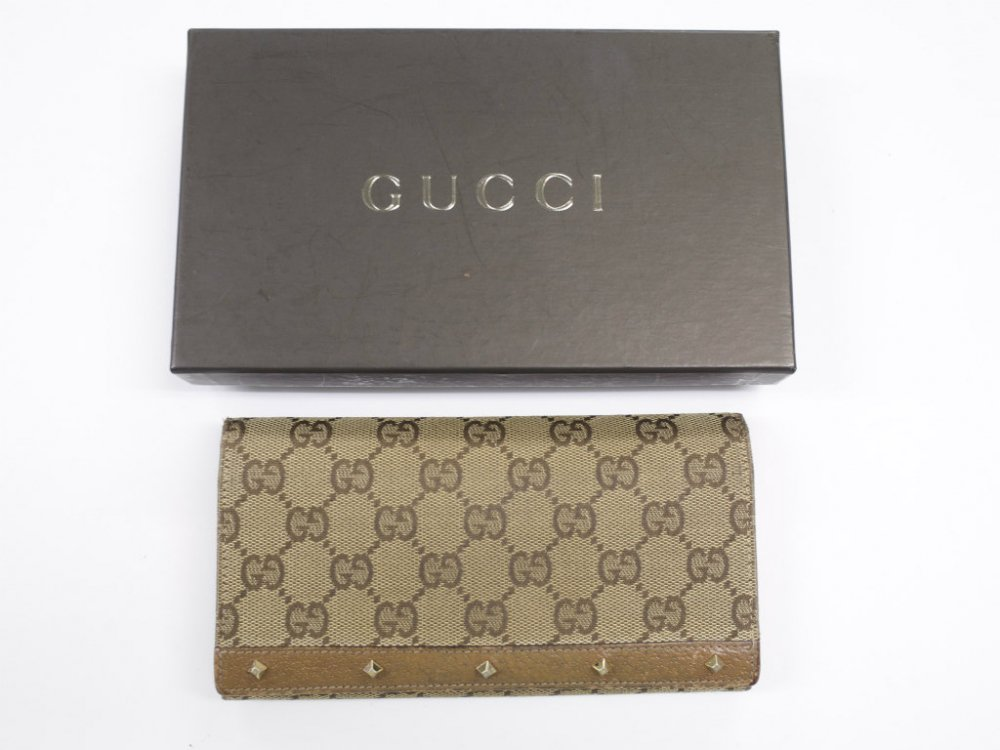 GUCCI  グッチ  シグネイチャー柄 長財布 MADE IN ITALY USED