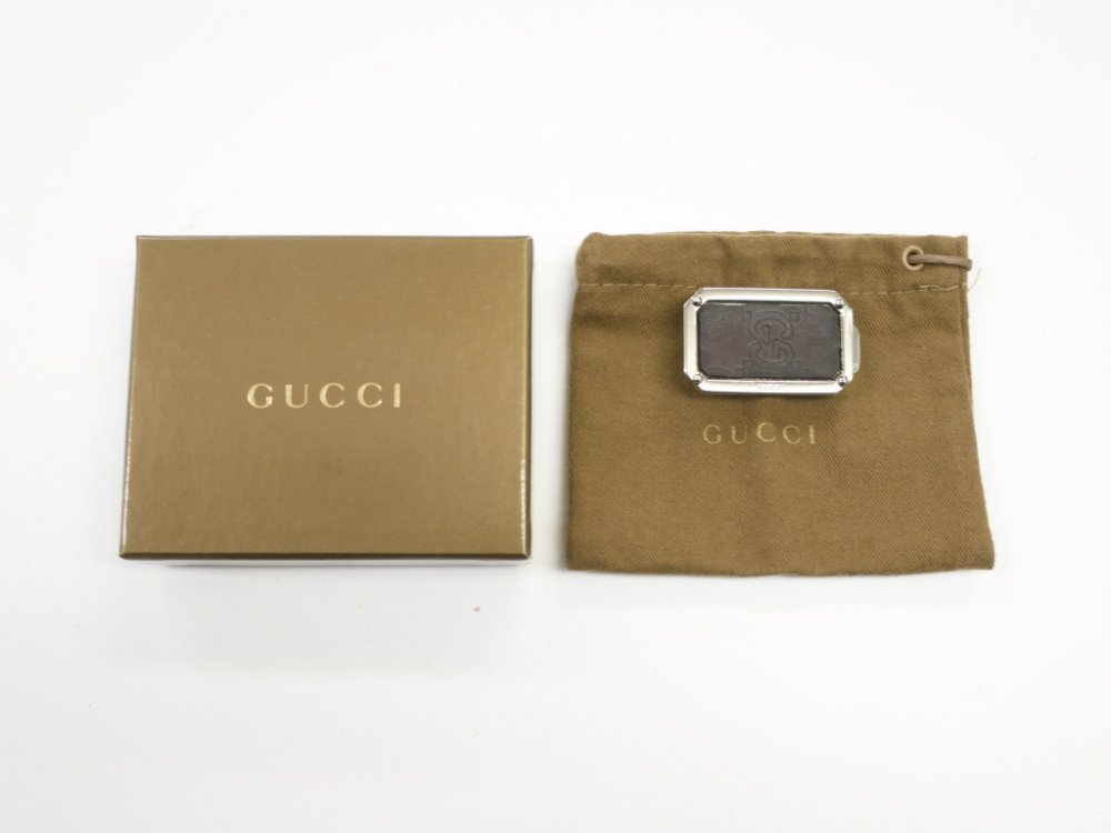 <img class='new_mark_img1' src='//img.shop-pro.jp/img/new/icons15.gif' style='border:none;display:inline;margin:0px;padding:0px;width:auto;' />GUCCI グッチ シマ柄 マネークリップ  MADE IN ITALY  USED