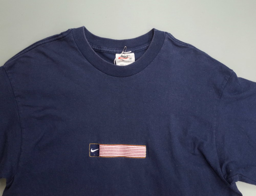 Vintage 90s NIKE  ナイキ フラッグ刺繍 Tシャツ MADE IN USA USED