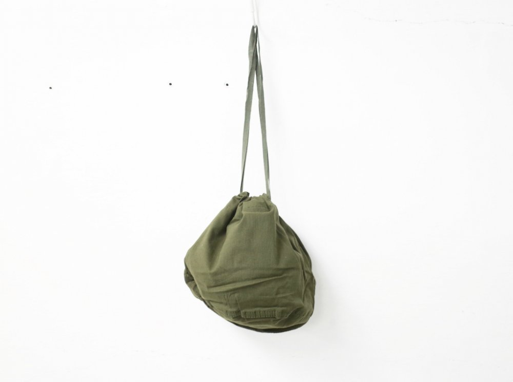<img class='new_mark_img1' src='https://img.shop-pro.jp/img/new/icons15.gif' style='border:none;display:inline;margin:0px;padding:0px;width:auto;' />Vintage 90s US Military personal effect bag  DEAD STOCK
